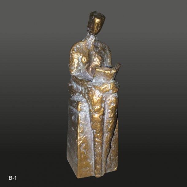 Bronze skulptur<br>Siddende kvinde<br>3x10 cm