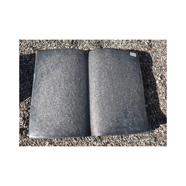 Bog i Sort Svensk Granit<br> Sverige<br> 56x45x12 cm.